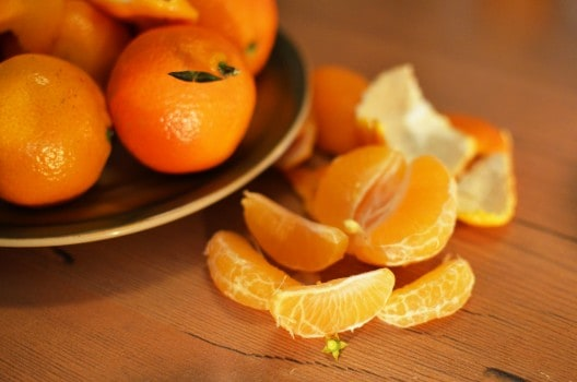 What are the benefits of eating oranges?